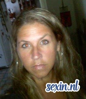 moeder uit Den Haag zoekt seks