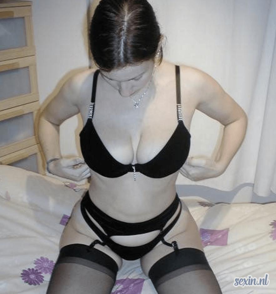 Monica28