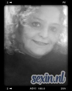 Oudere vrouw zoekt seks in Doesburg