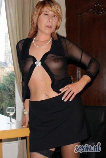 Huismoeder zoekt seks contact in