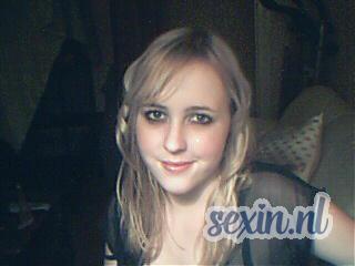 Nieuwsgierige meid zoekt seks