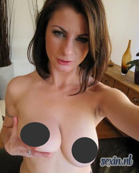 BDSM chick zoekt meester in Rotterdam